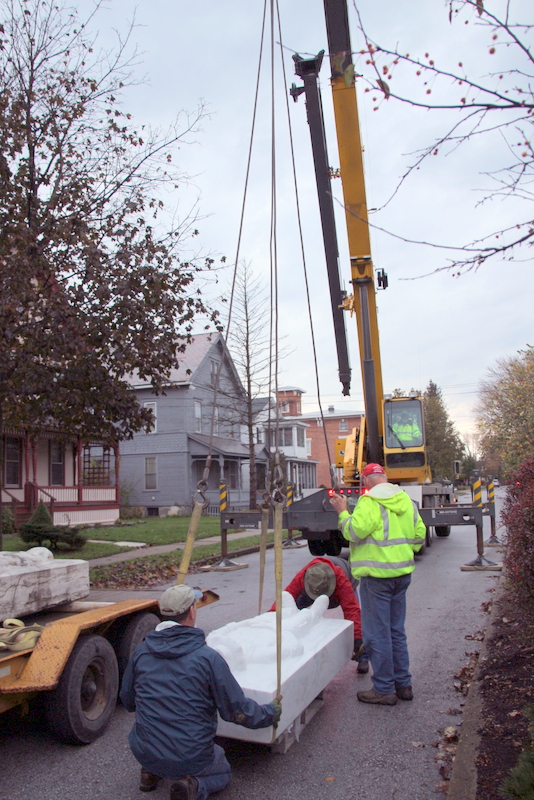 Lifting New monument to be placed on base